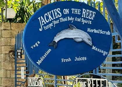 https://www.ganjavacations.net/wp-content/uploads/2020/11/jackies-on-the-reef-resot.jpg